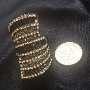 Jewelry - Embellished ring